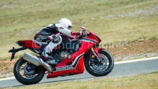 2017-honda-cbr1000rr-fireblade-spotted-in-production-view